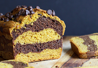 marbled turmeric pumpkin chocolate bread