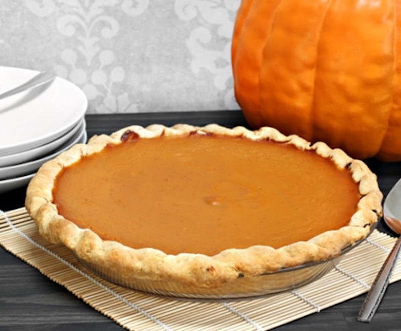 VegNews.VeganPumpkinPie.Stock