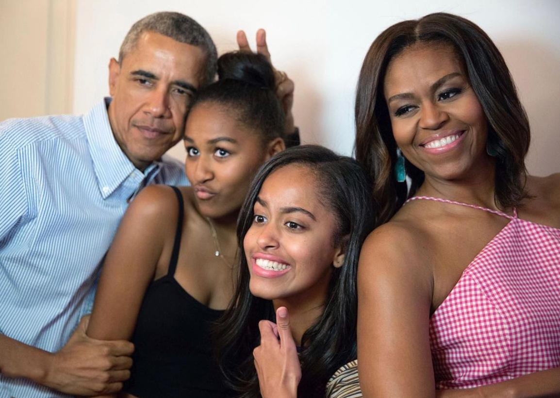 VegNews.BarackObamaandFamily