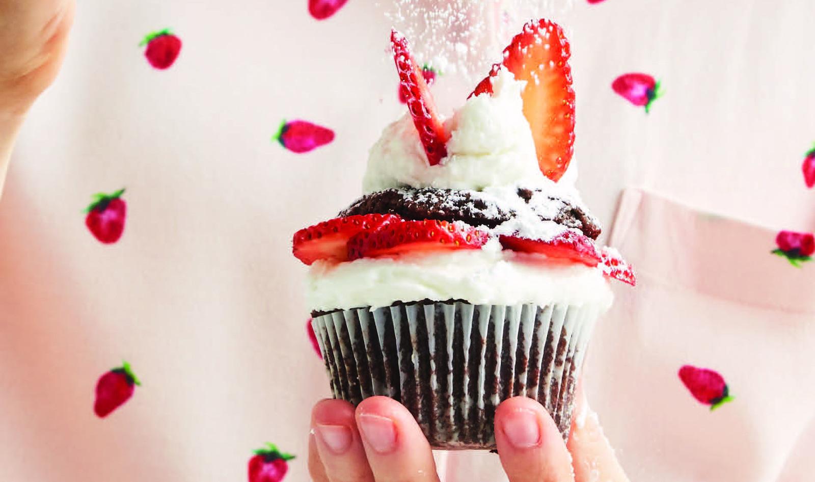VegNews.StrawberryCupcakes