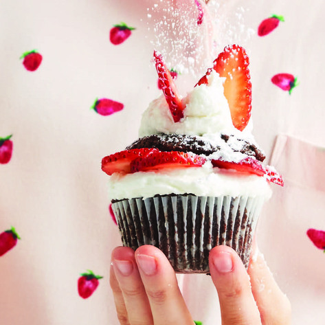 VegNews.StrawberryCupcakes