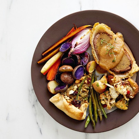 VegNews.ThanksgivingPlate