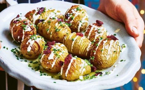VegNews.HasselbackPotatoes