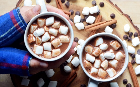 VegNews.CinnamonAlmondHotChocolate
