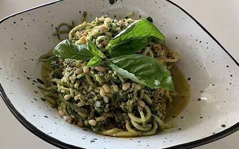 Raw Vegan Zucchini Pesto Noodles