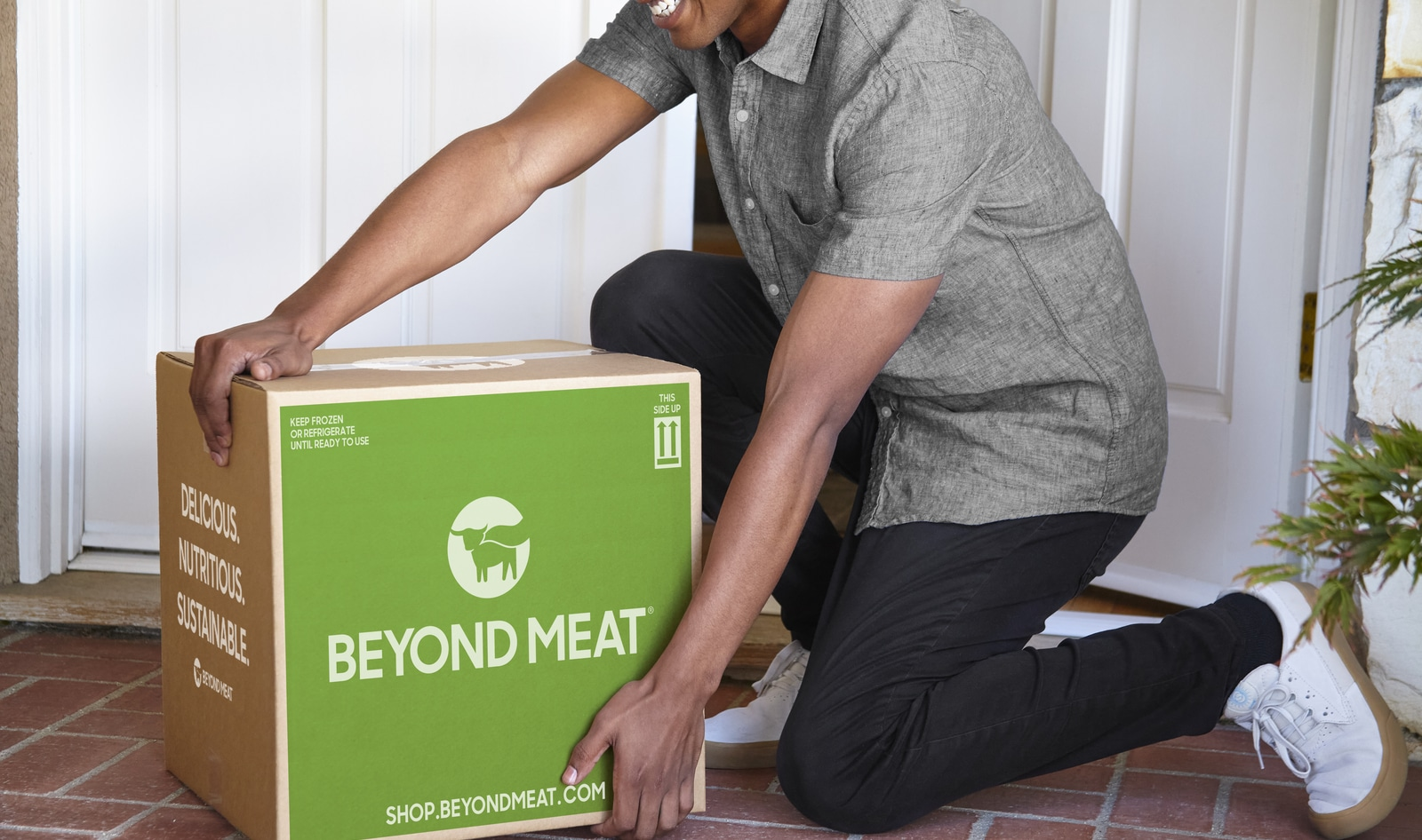 VegNews.BeyondMeatBox