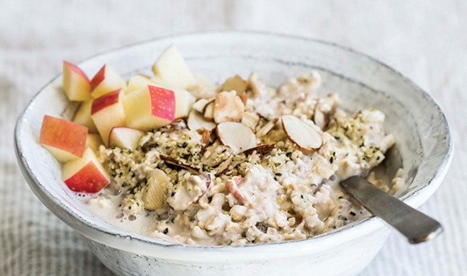 VegNews.AppleGingerMuesli