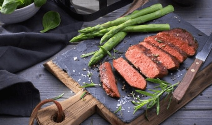 VegNews.ViveraSteak3