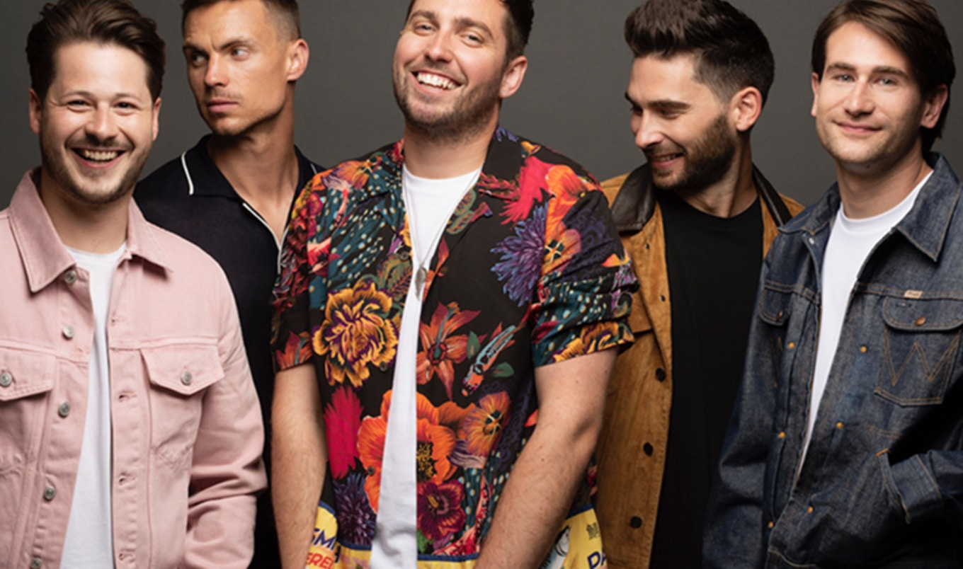 "English Pop Band ""You Me At Six"" Celebrates New Album with Vegan Kebab"