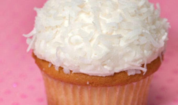 Featurette.CoconutCupcake