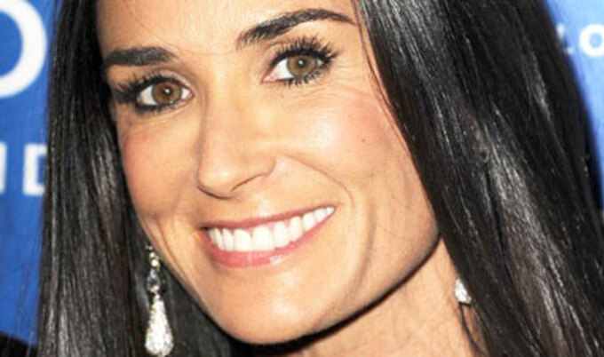 VegNews.DemiMoore.VND