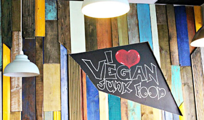"Vegan Boutique in England Shattering ""Hippie"" Stereotype"