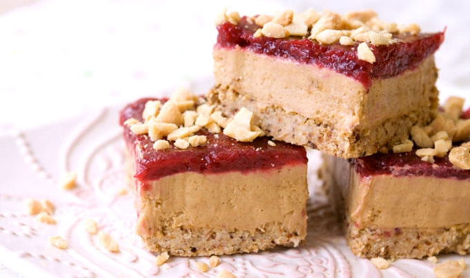 VegNews.VeganPeanutButterMousseandFreshStrawberryJamBars.PeacefulPlate