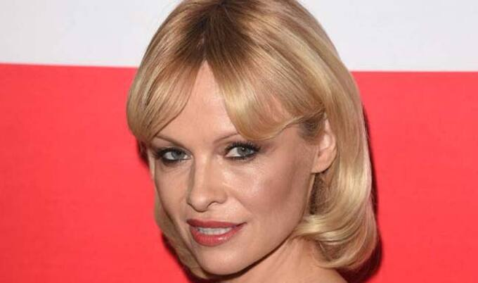 VegNews.PamelaAnderson.New