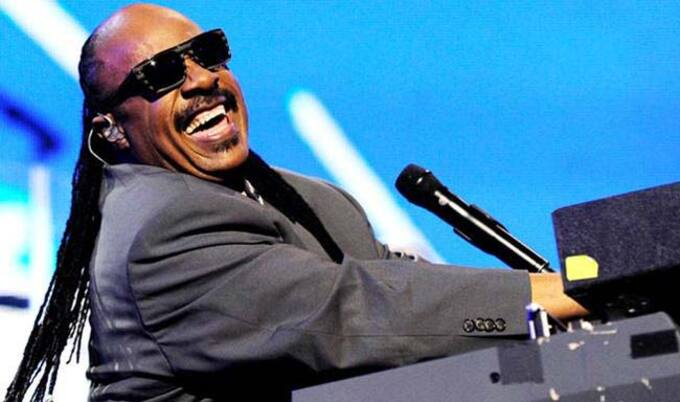 VegNews.StevieWonder