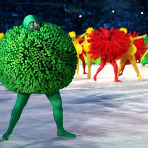 Dancing Veggies Wow Crowd at Olympics Closing Ceremony