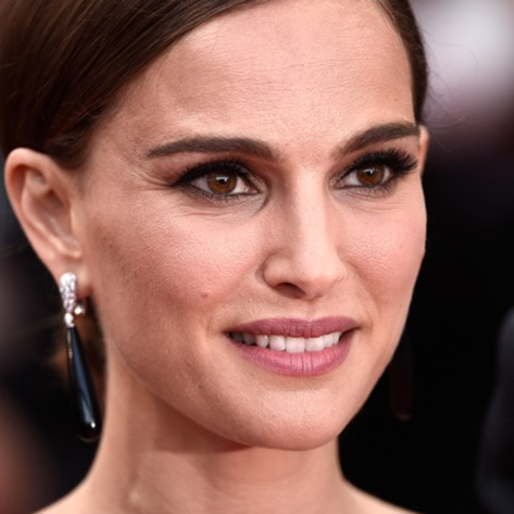 Natalie Portman Touts Paris' Vegan Evolution