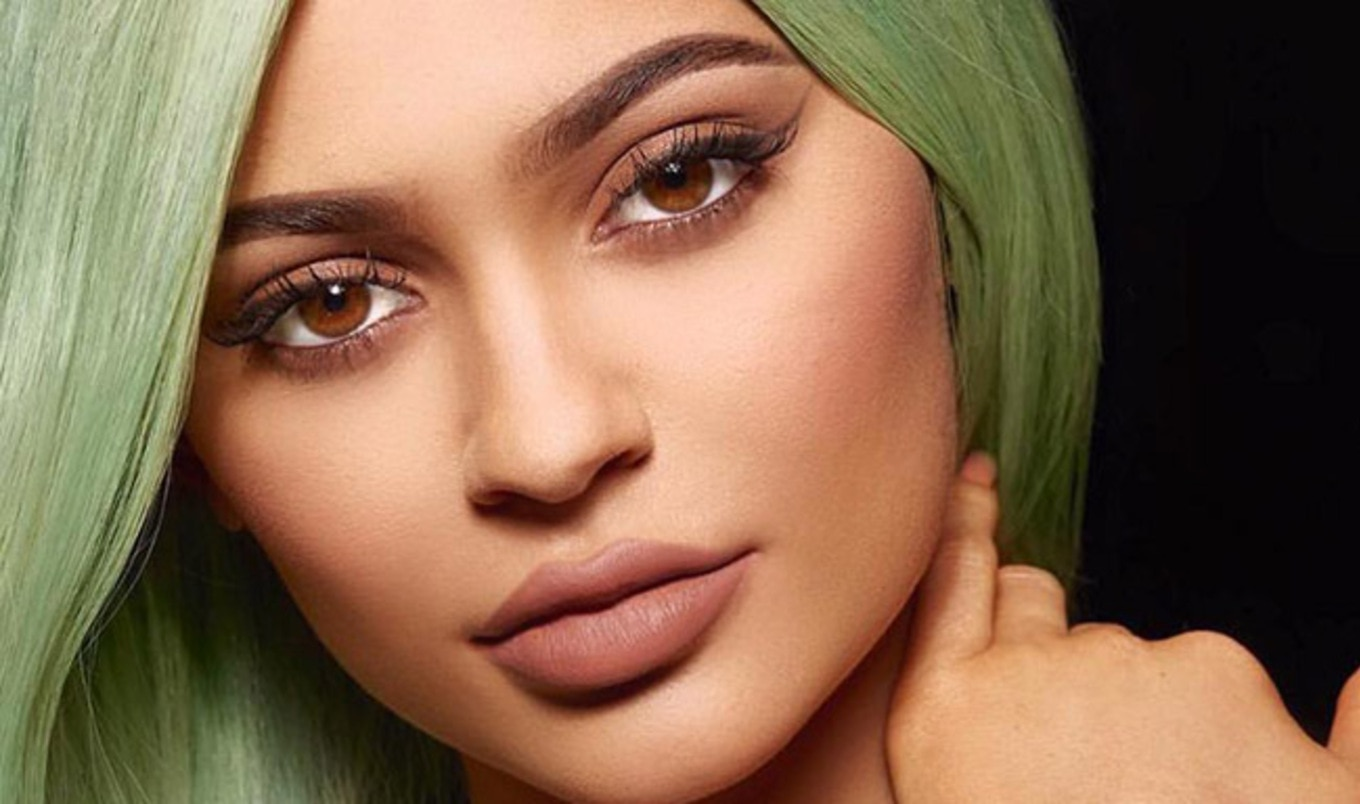 Kylie Jenner Launches Vegan Lipstick to Support Charity