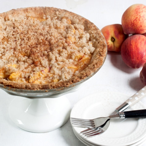 Vegan & Gluten-Free Crumble Top Peach Pie