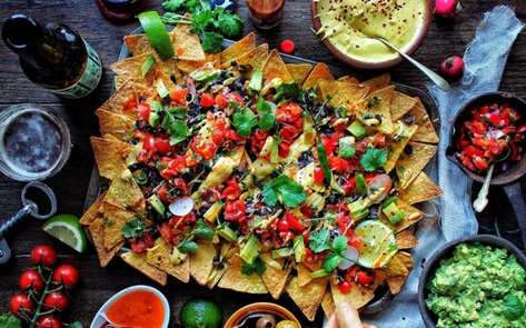 VegNews.SuperBowlNachos