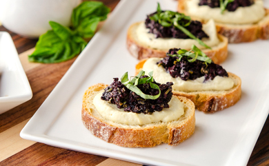 Tapenade Cauliflower-Cashew Crostini