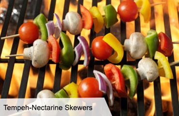 VegNews.TempehNectarineSkewers